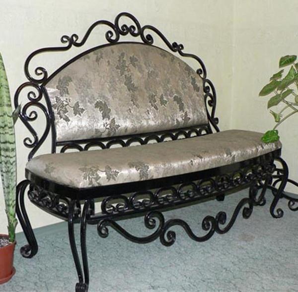 Угловой диван кованый