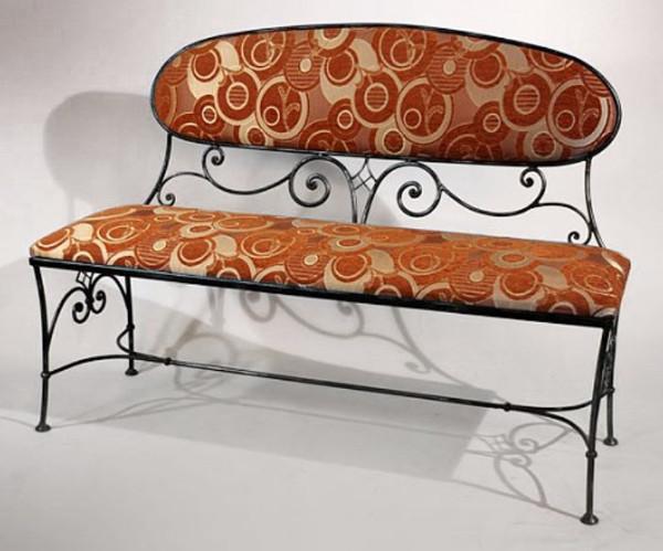 Кованый диван со столом