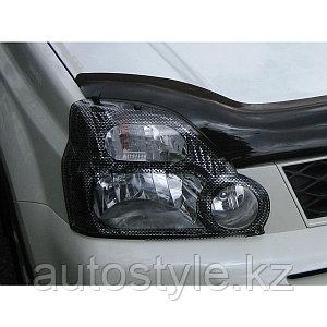 Защита фар Nissan X-tral 2008-10/11-13 (очки кант карбоновый) AirPlex