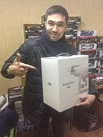 Счастливый обладатель профессионального квадрокоптера Dji Phantom 4 с высококлассной камерой