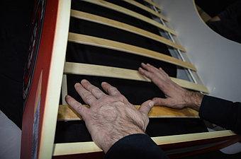 Деревянные латы, которые служат основой матраса обеспечивают вентиляцию, способствуют быстрому проветриванию и предотвращают образование плесени.