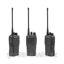 Радиостанция Motorola DP1400 136-174МГц,1/5Вт, 16кан., NNTN4851, индивидуальное ускоренное з/у (аналоговая)