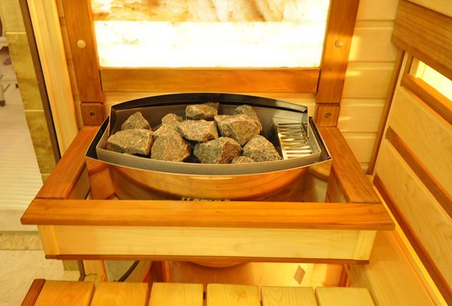 сауна в квартире, сауна с каменкой в ванной