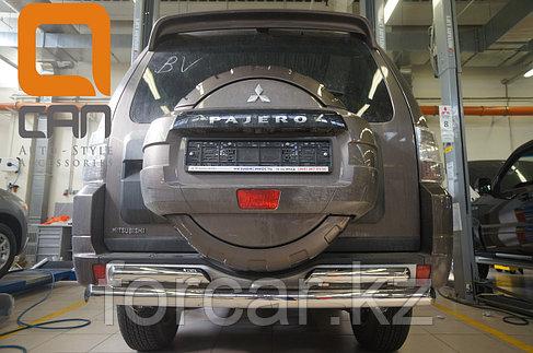 Защита заднего бампера Mitsubishi Pajero IV (2011-) (двойная) d 76/60, фото 2
