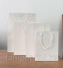 Белые бумажные  пакеты для нанесение логотипа