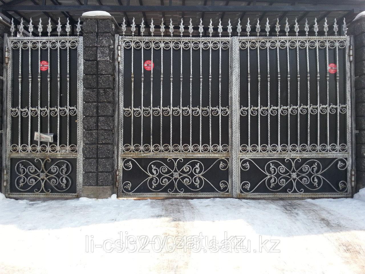 Ворота с элементами иранской ковки
