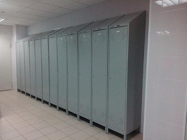Организация помещения для переодевания рабочих Кондитерской фабрики -1