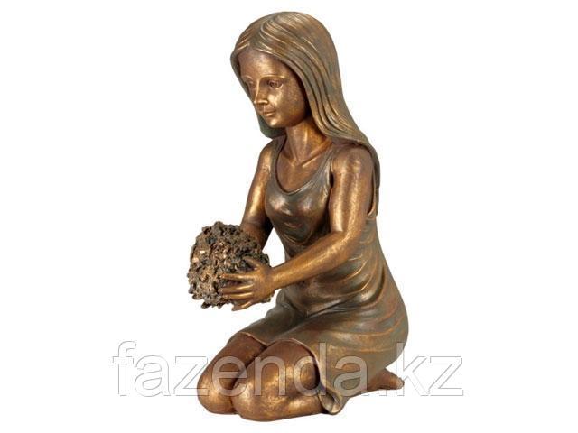 Скульптура Gardena Девушка