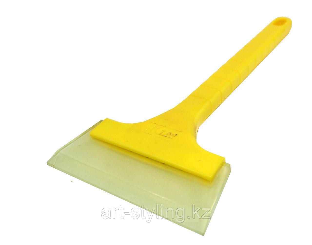Желтая выгонка с длинной ручкой
