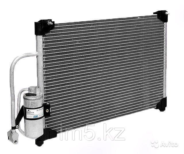 Радиатор кондиционера Nissan March. K12 2002-2010 1.2i / 1.4i / 1.6i Бензин