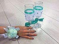 Бутоньерки для подружек невесть