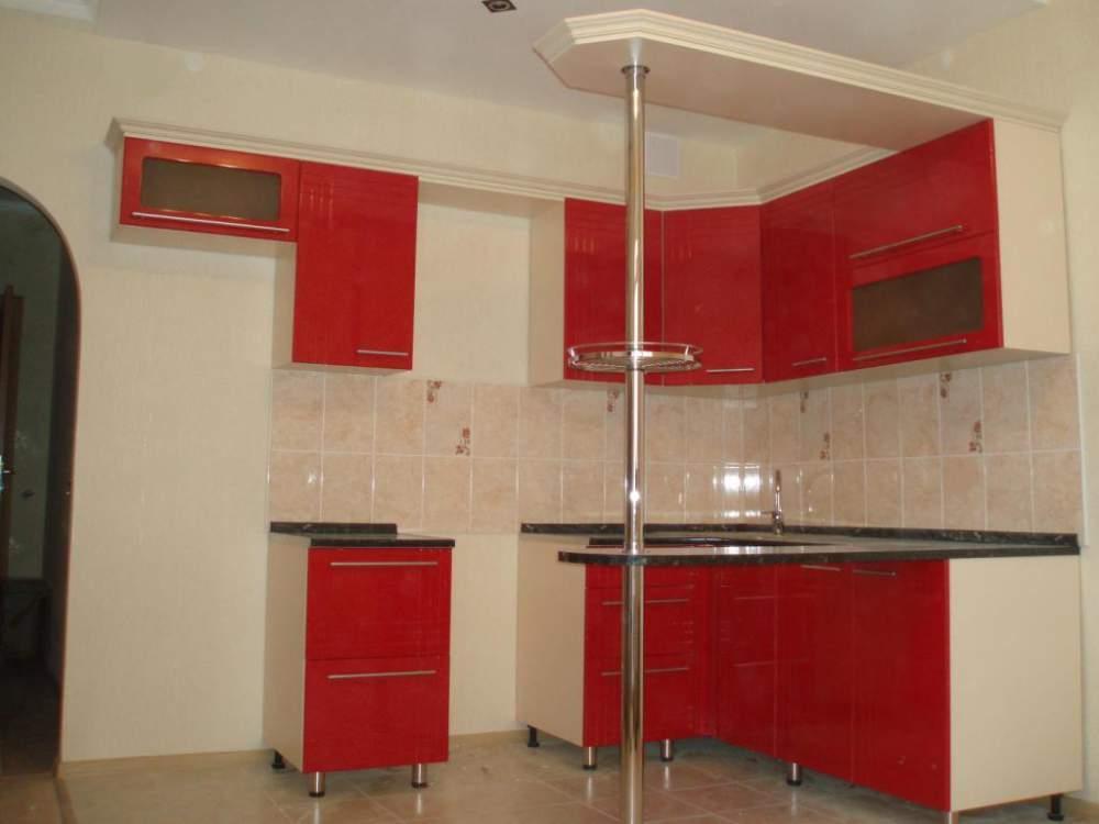 Глянцевый кухонный гарнитур