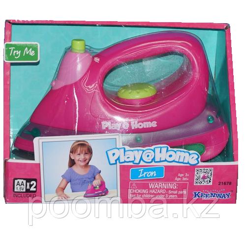 Игрушечный утюг Play Home(свет, звук)