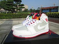 Баскетбольные кроссовки Nike Air Jordan 1 Retro белые