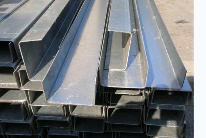 Швеллер гнутый 140х60х5 ст.3