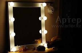 Гримерное зеркало 60 на 70 см, 8 цоколей, белая деревянная рама 2