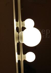 Гримерное зеркало 60 на 70 см, 8 цоколей, белая деревянная рама 4