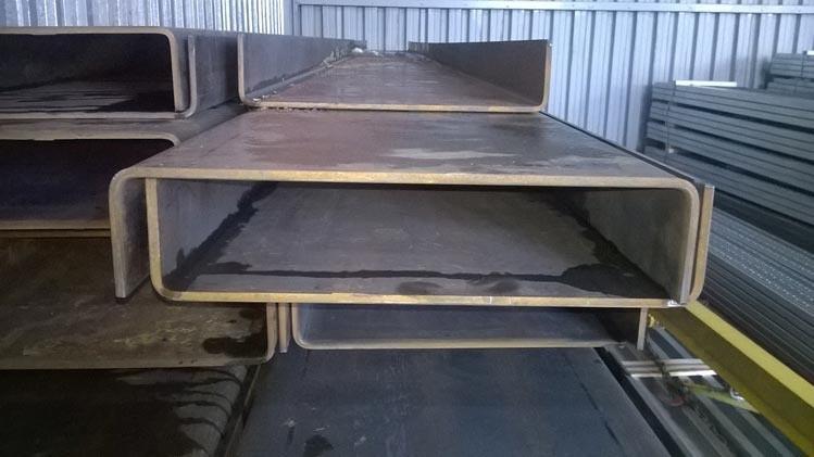 Швеллер гнутый 200х50х4 ст.09Г2С