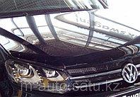 Мухобойка (дефлектор капота) на Volkswagen Touareg /Фольксваген Туарег 2010-, фото 1