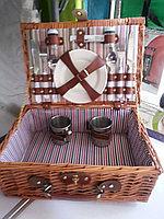 Набор посуды в корзине на 2 персоны, фото 1