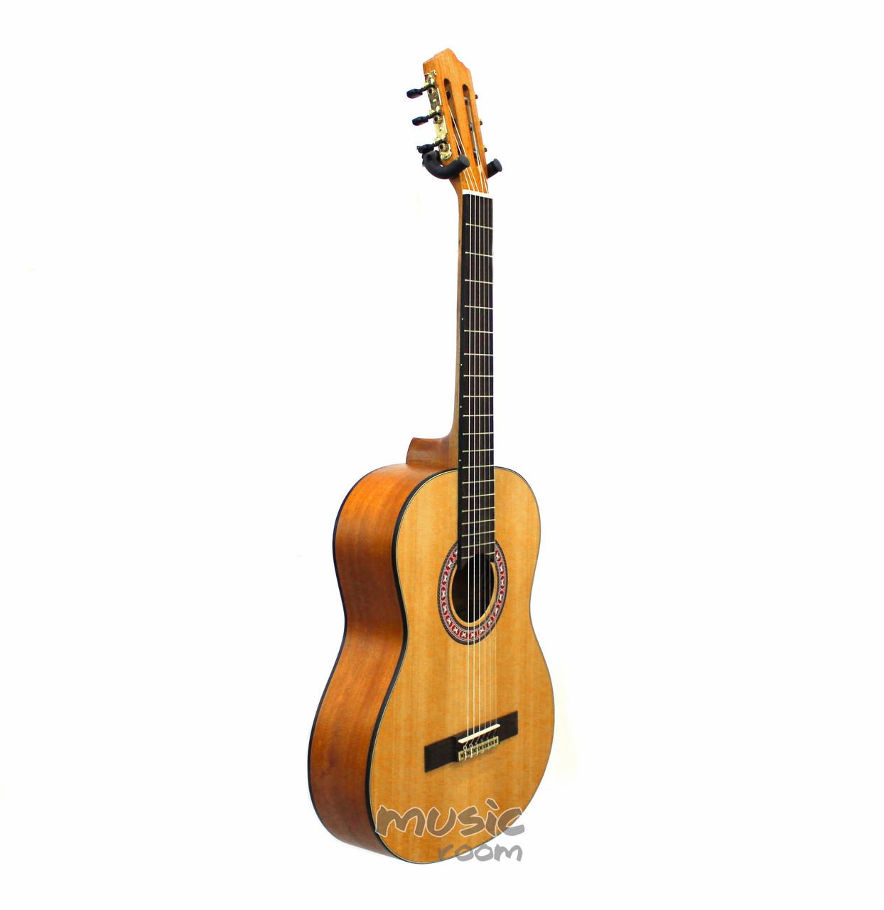 Классическая гитара Madina M20