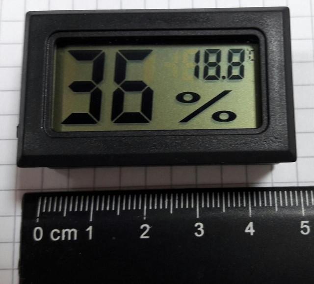 Digital-LCD-Indoor-Temperature-Hygrometer