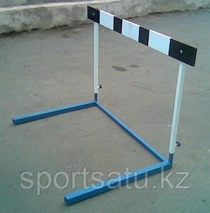 Барьер легкоатлетический регулируемой высоты