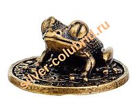 Сувенир денежная лягушка на монете Сочи