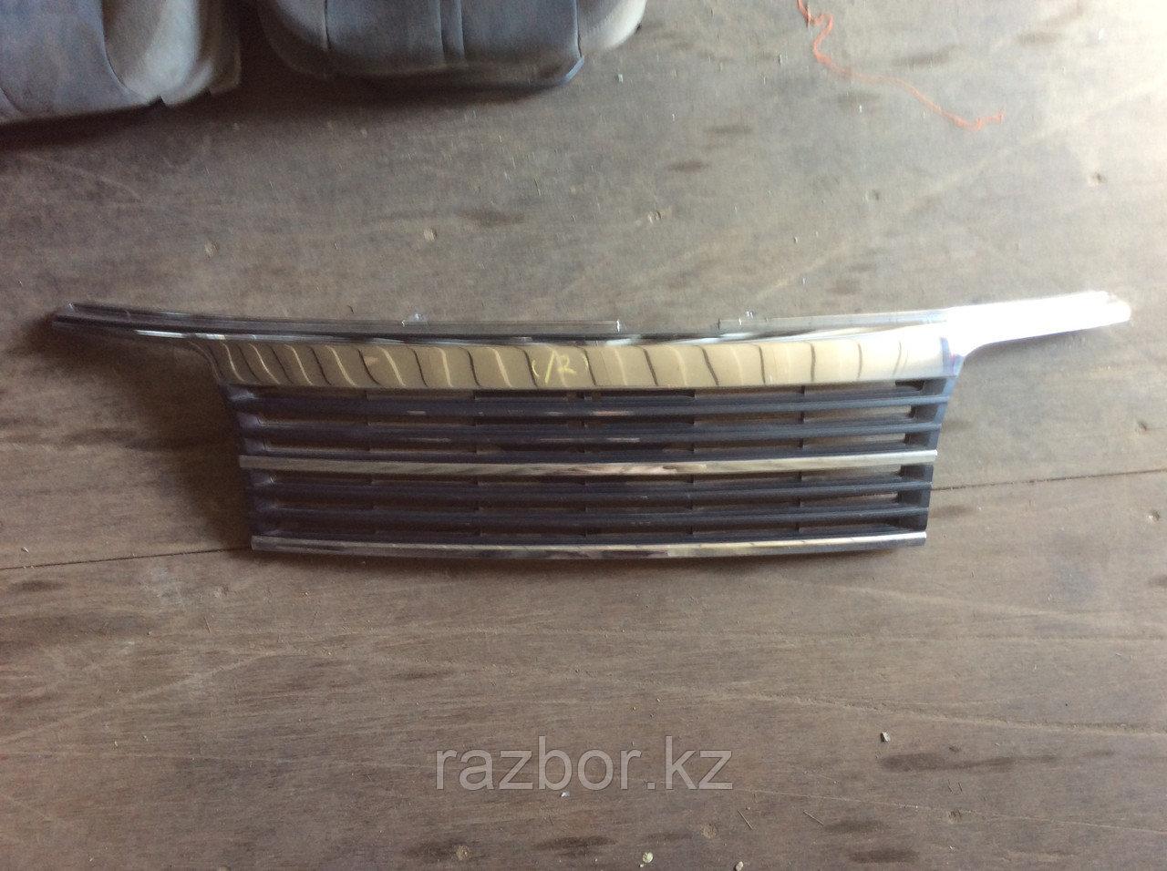 Решётка радиатора Nissan Elgrand 1997-2000
