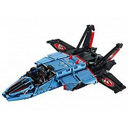 LEGO Техник Сверхзвуковой истребитель