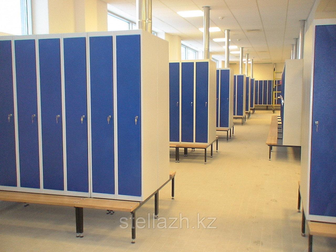 Шкаф для спецодежды персонала