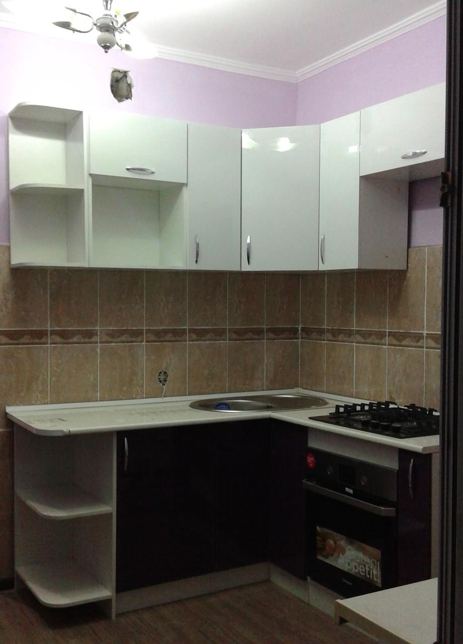 Современный кухонный гарнитур угловой