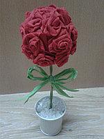 """Композиция в мини кашпо. """"Красный цветок в белом кашпо"""""""