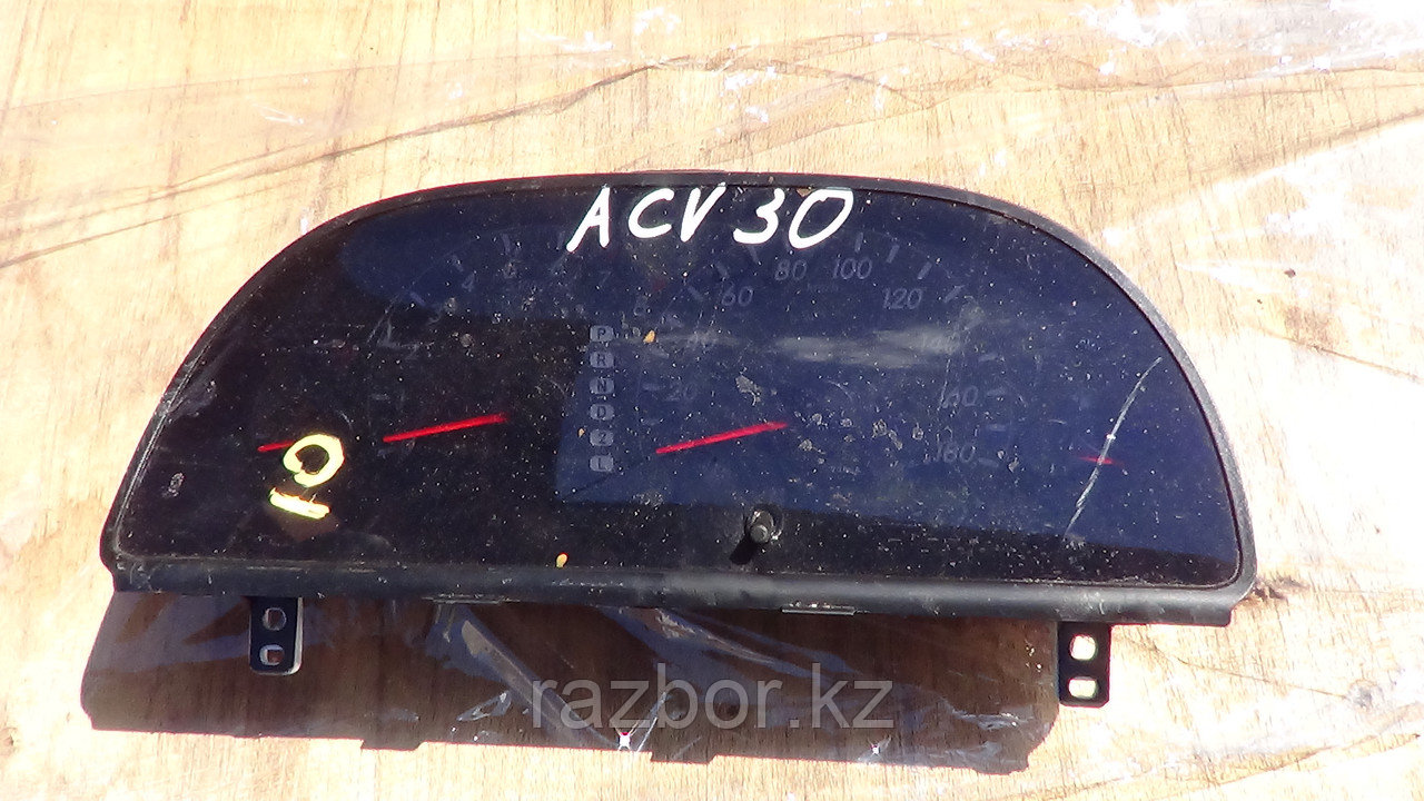 Приборная панель Toyota Camry (30)
