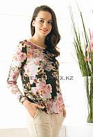 Блузка трикотажная с цветами