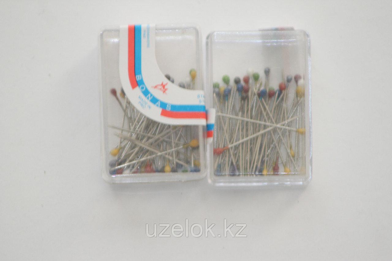 Английские булавки в пластиковой упаковке маленкие
