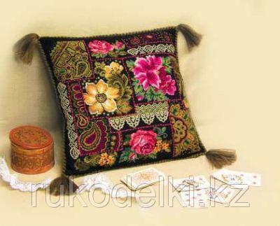 """Набор для вышивания крестом """"Подушка. Цветочная композиция"""""""