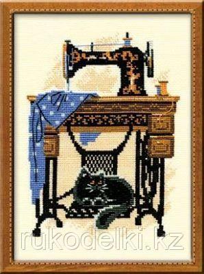"""Набор для вышивания крестом """"Швейная машинка"""""""