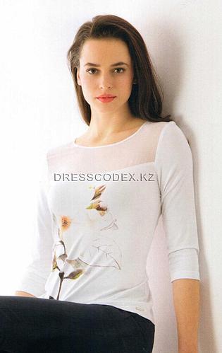 Блузка трикотажная с цветком