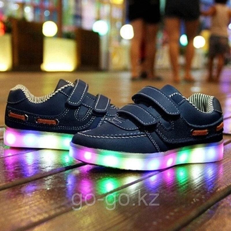 LED Кроссовки детские со светящейся подошвой, классические синие, низкие - фото 1