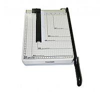 Резак для бумаги RAYSON 829-4 (A4) металл, длина реза: 300 мм, кол-во листов: 6-8