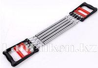 Эспандер для мышц плечей и груди с пластиковыми ручками красно-черный