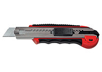 Нож, 18 мм, выдвижное лезвие, метал. направляющая, обрезиненная ручка + 5 лезвий// MATRIX MASTER