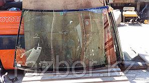 Лобовое стекло Nissan Bluebird