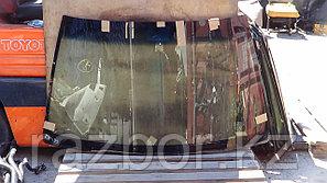 Лобовое стекло Nissan R'nessa EN30