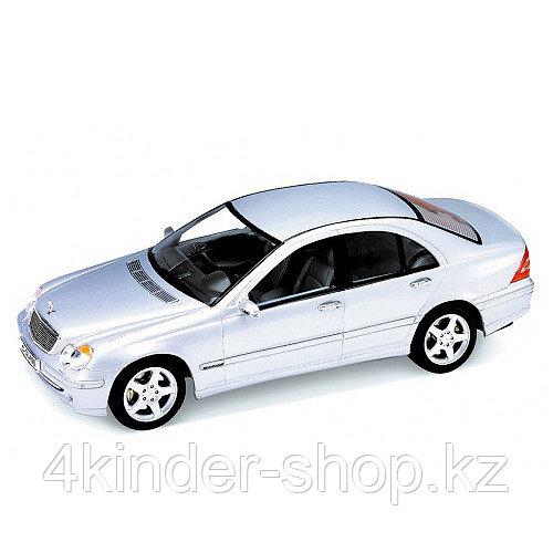 Коллекционная модель машины 1:18 Mercedes-benz C-class