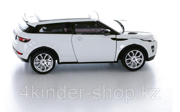 Коллекционная машинка Range Rover Evoque 1:24 - фото 3