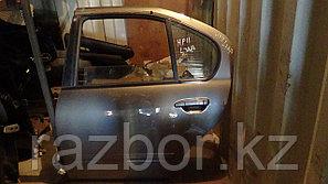 Дверь левая задняя Nissan Primera (11)
