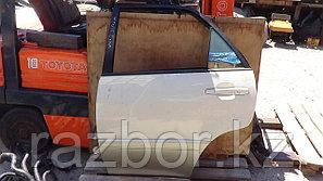 Дверь левая задняя Toyota Harrier