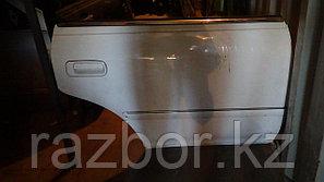 Дверь правая задняя Toyota Mark II (100)